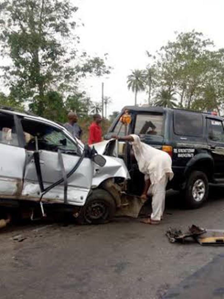 Five killed, nine injured in accident on Lagos-Ibadan Expressway