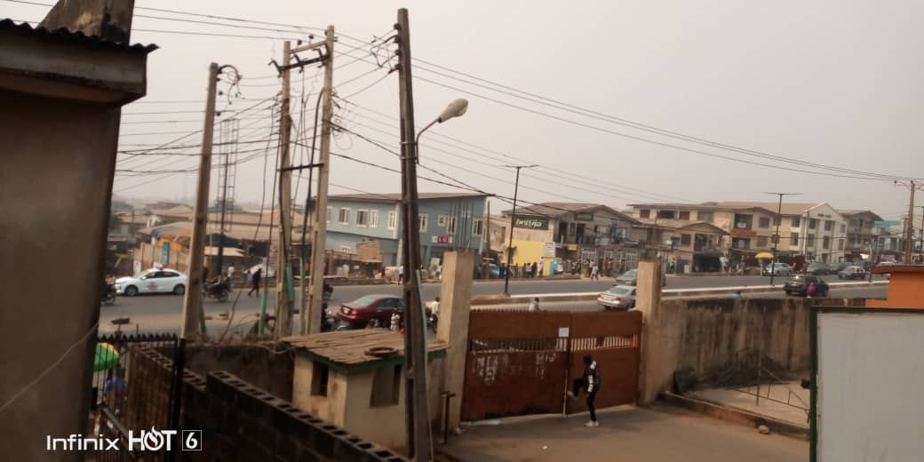 Video; Mayhem at Ibadan North East LG As PDP Hoodlums Attack Local Government Chairmen And Innocent Citizens